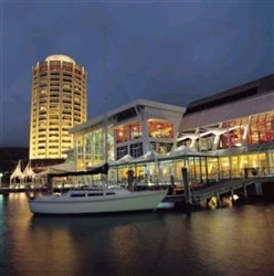 hobart hotel on the water