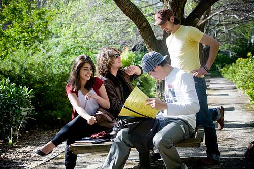 la_trobe_students_working_on_campus